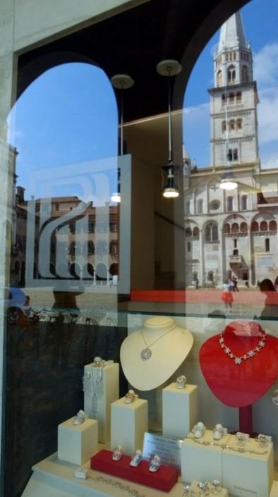 Vetrina Gioielleria PinoManna Modena - gioielli artigianali pinomanna